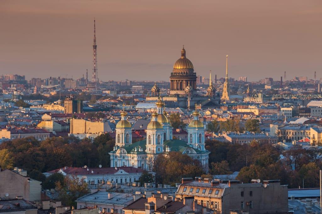 Blick auf Sankt Petersburg mit der St. Isaak Kathedrale
