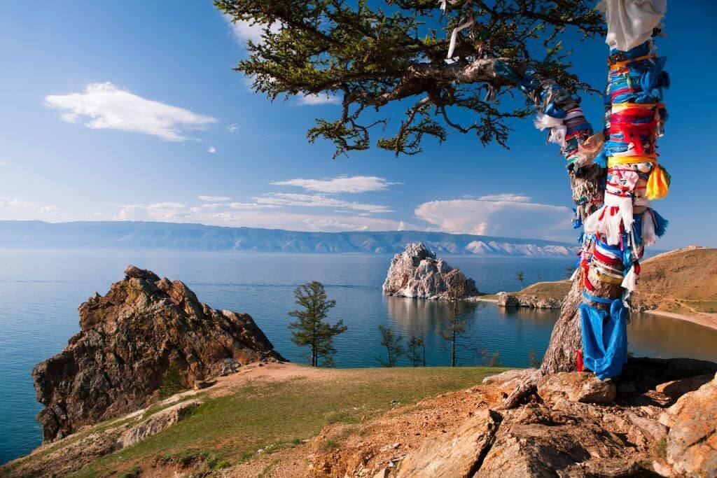 Insel Olchon Blick auf den Schamanenfelsen