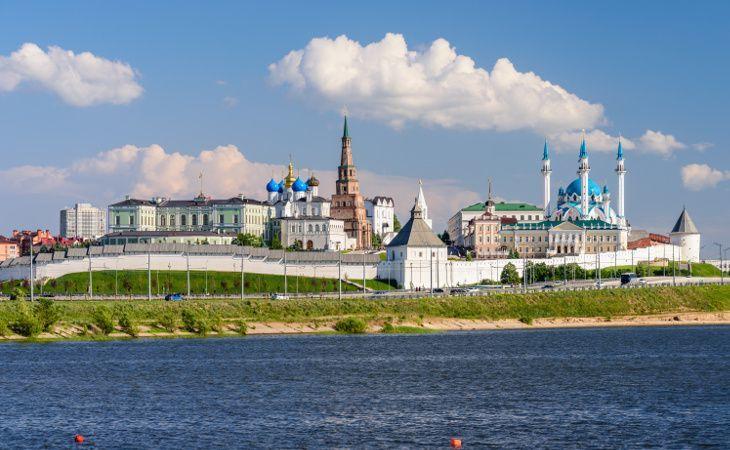 Kasaner Kreml mit der Mariä-Verkündigungs-Kathedrale und der Kul-Scharif-Moschee