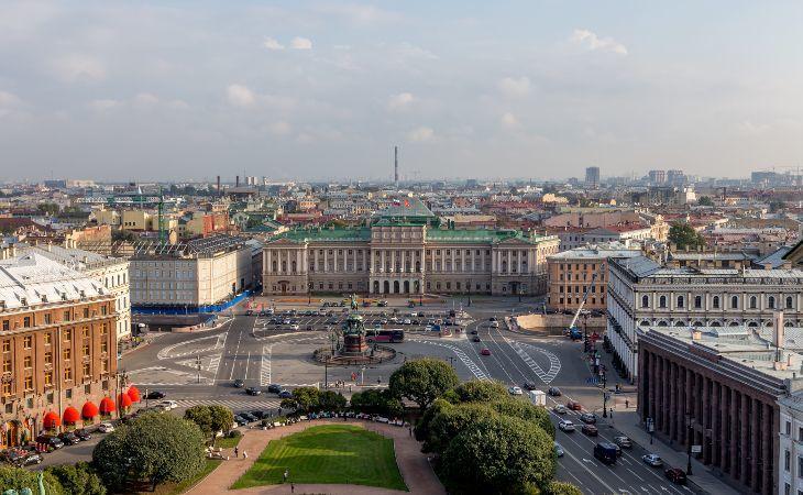 Aussicht auf das Zentrum von Sankt Petersburg von der St. Isaak Kathedrale
