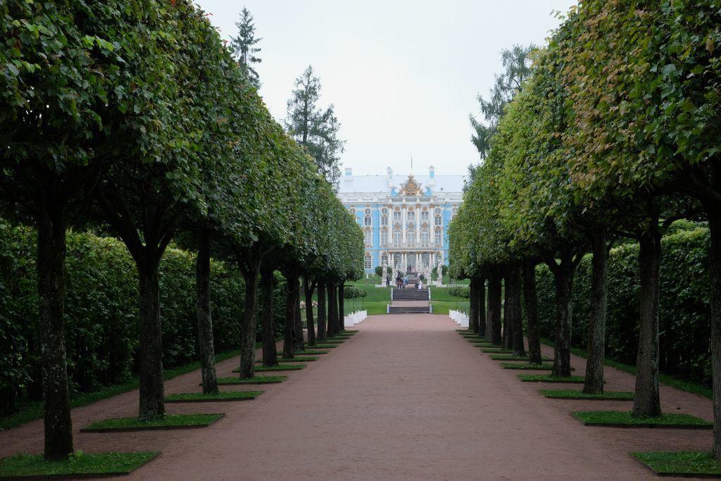 Park im Katharinenpalast in Puschkin bei Sankt Petersburg