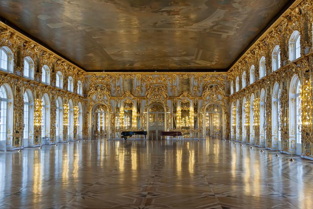 Der Thronsaal im Katharinenpalast in Puschkin bei Sankt Petersburg