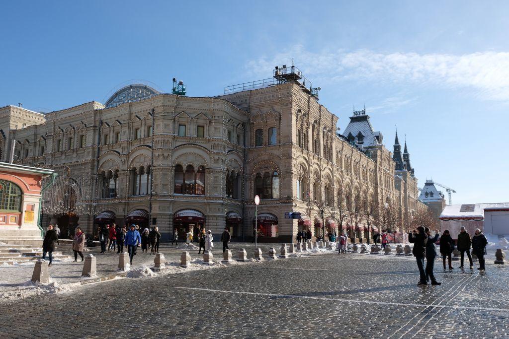 GUM Kaufhaus vom Auferstehungstor des Roten Platzes aus
