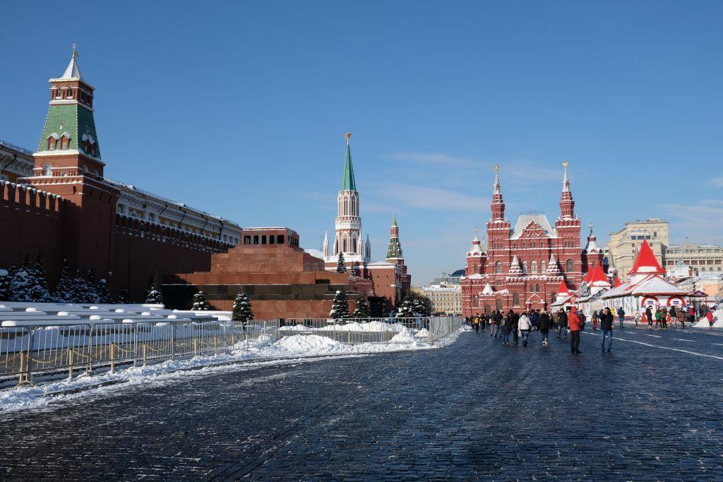 Roter Platz in Moskau mit dem Lenin Mausoleum