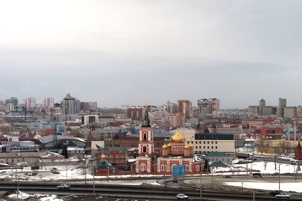 Sicht auf Barnaul von der Promenade aus