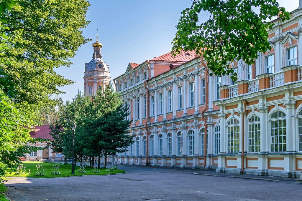 Parkbereich im Alexander Newski Kloster