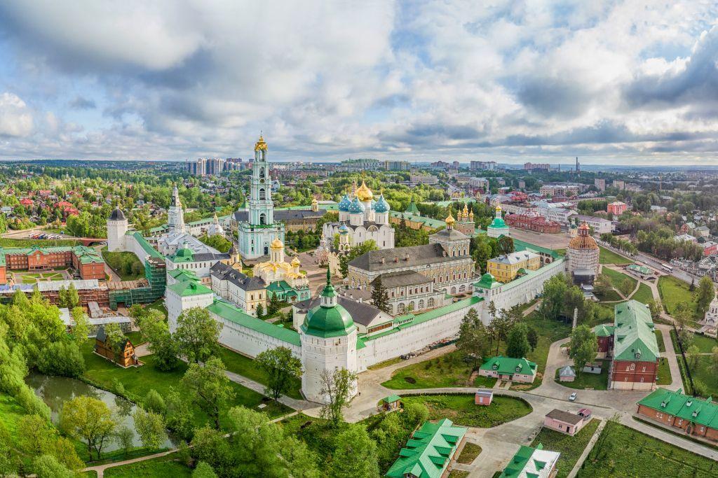 Dreifaltigkeitskloster von Sergijew Possad von oben