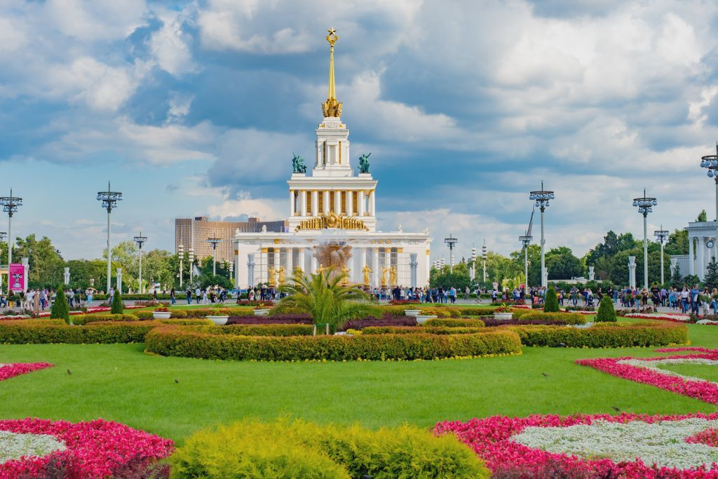 Der zentrale Pavillon im WDNCh in Moskau