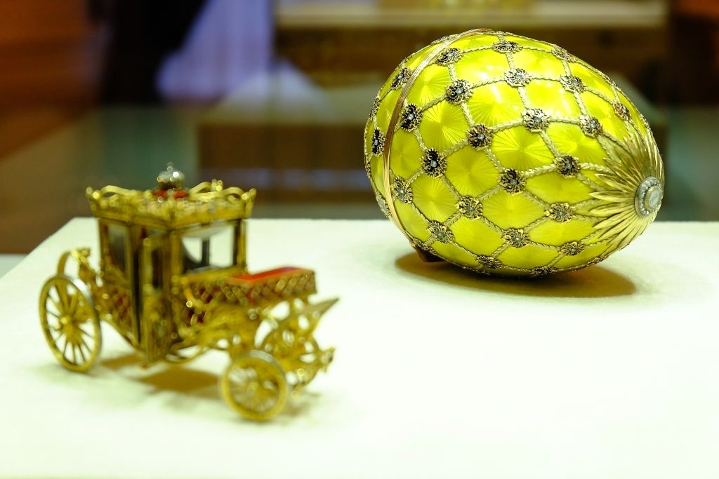 Farbergé Ei im Fabergé Museum in Sankt Petersburg