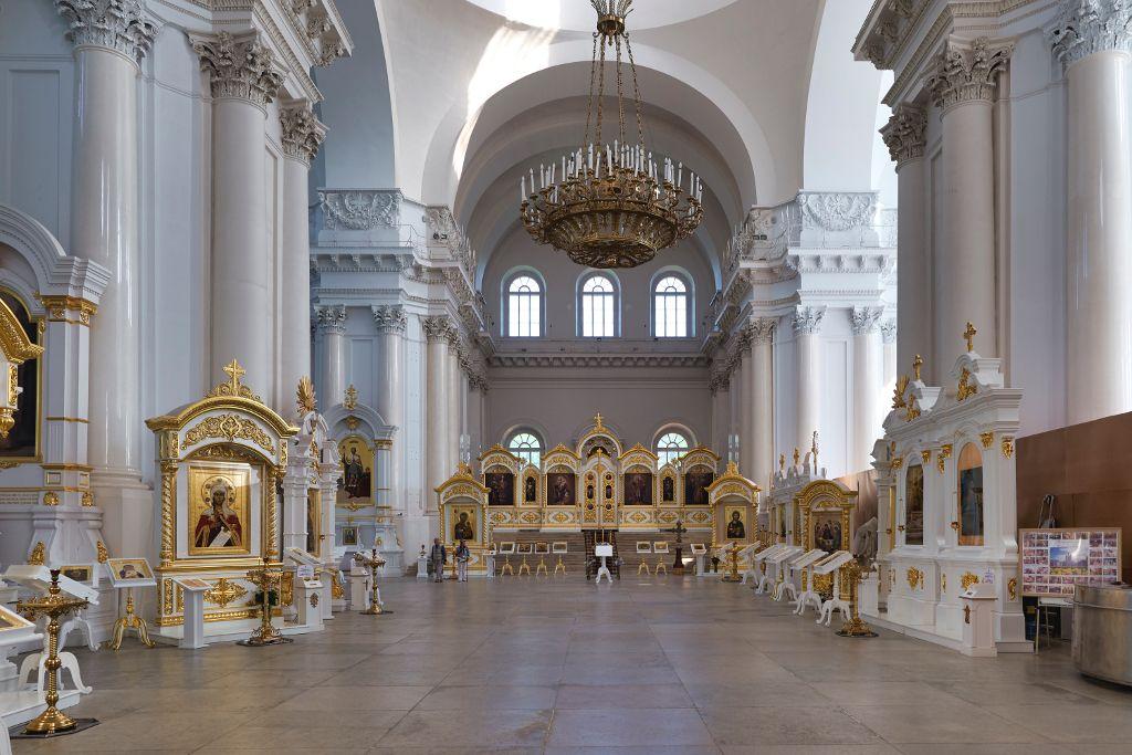 Innenbereich der Smolny Kathedrale in Sankt Petersburg