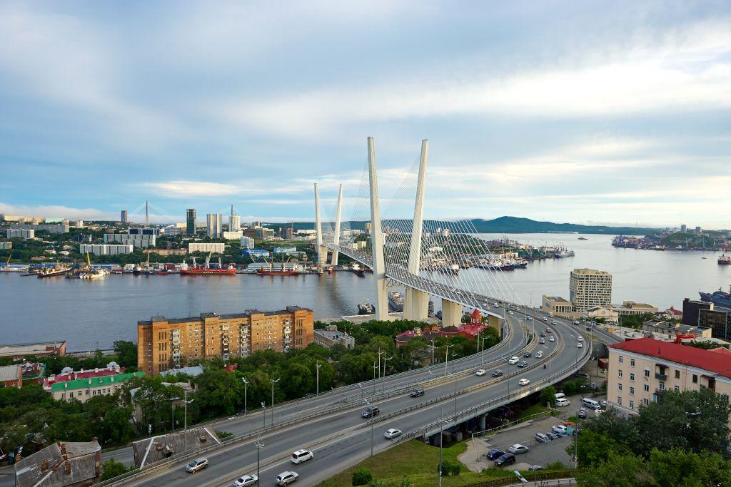 Goldene Brücke in Wladiwostok