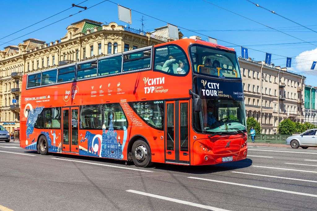 Roter Bus Stadtführung in Sankt Petersburg