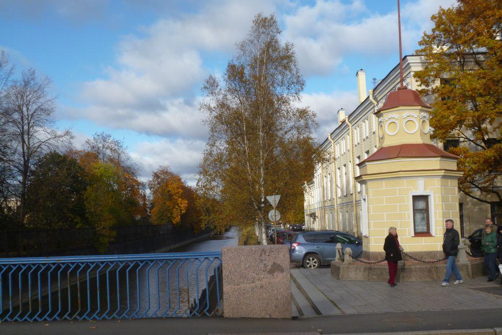Gezeitenstange am Obwodny Kanal in Kronstadt