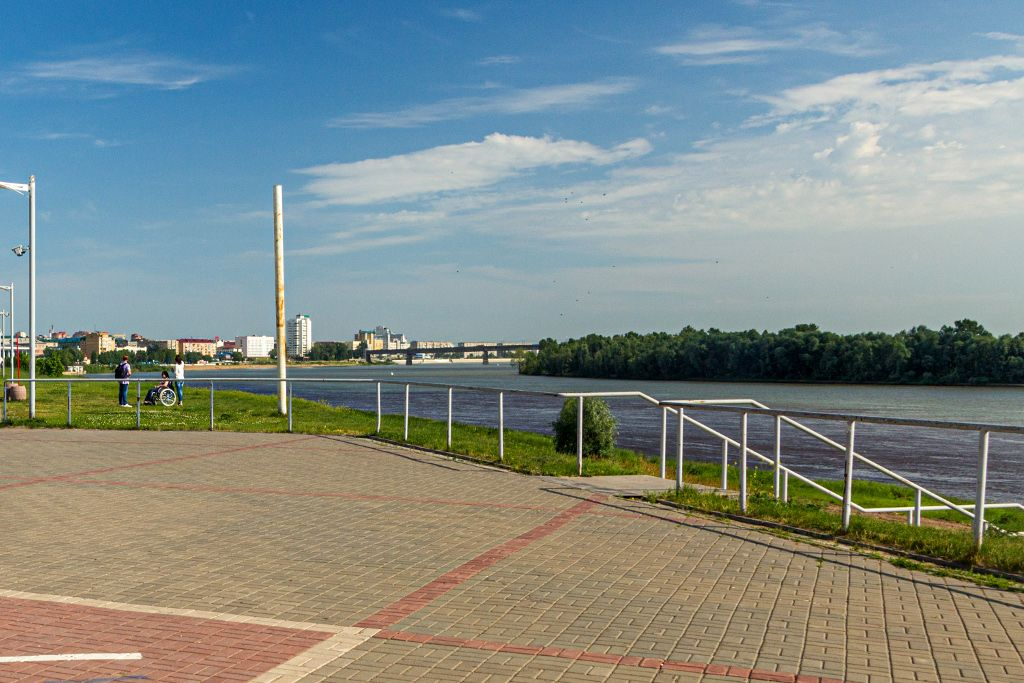 Flusspromenade am Irtysch in Omsk